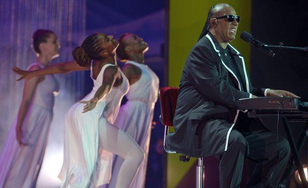 Avajaisissa esiintyi muun muassa Stevie Wonder.