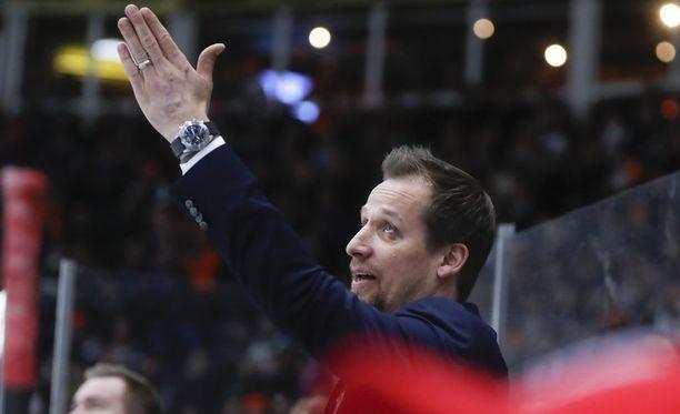 Antti Törmänen laittoi kokoonpanot uusiksi.