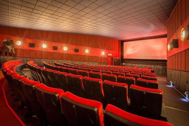 Elokuvasalissa on 237 paikkaa.