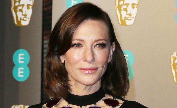 Lontoon Bafta-gaalassa vieraillut kahdesti Oscar-palkinnolla palkittu näyttelijä Cate Blanchett on nykyään brunetti.