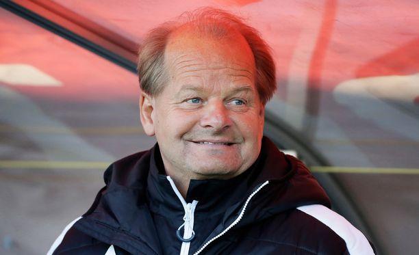 Antti Muurinen nauttii ikämiesjalkapallosta.