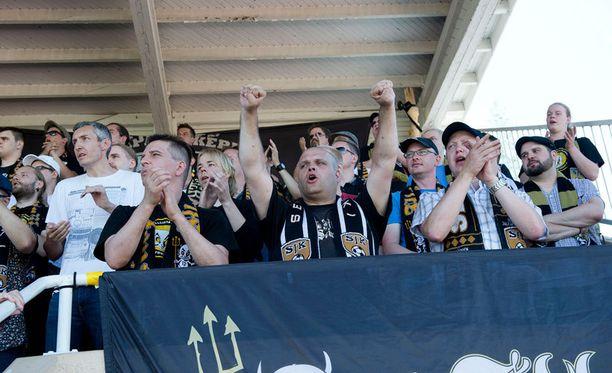 Seinäjoen Jalkapallokerhon fanit huutavat ensi vuonna uudella stadionilla.