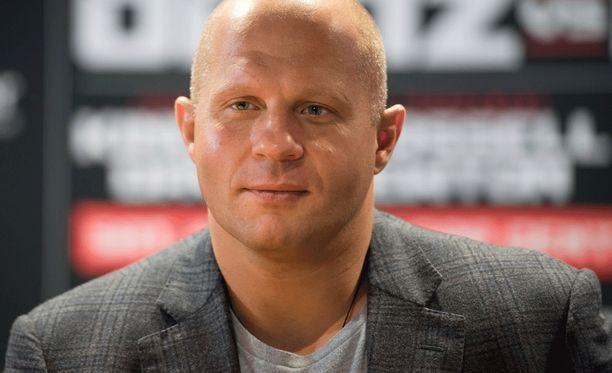 Fedor Emelianenkon, 38, ura jatkuu sittenkin.