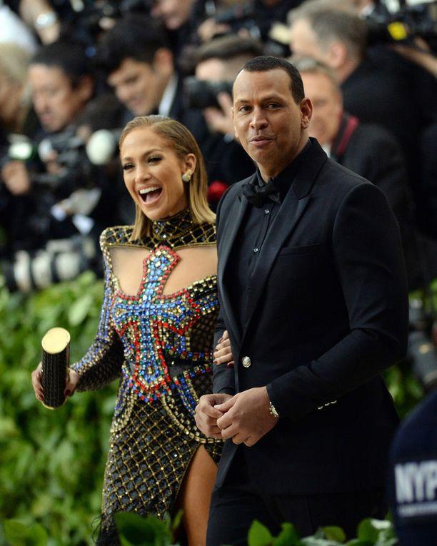 Jennifer Lopezin käsipuolessa nähtiin miesystävä Alex Rodriguez.
