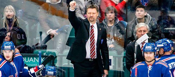 Jukka Jalonen on aloittanut Pietarin SKA:n valmentamisen kahdella voitolla.