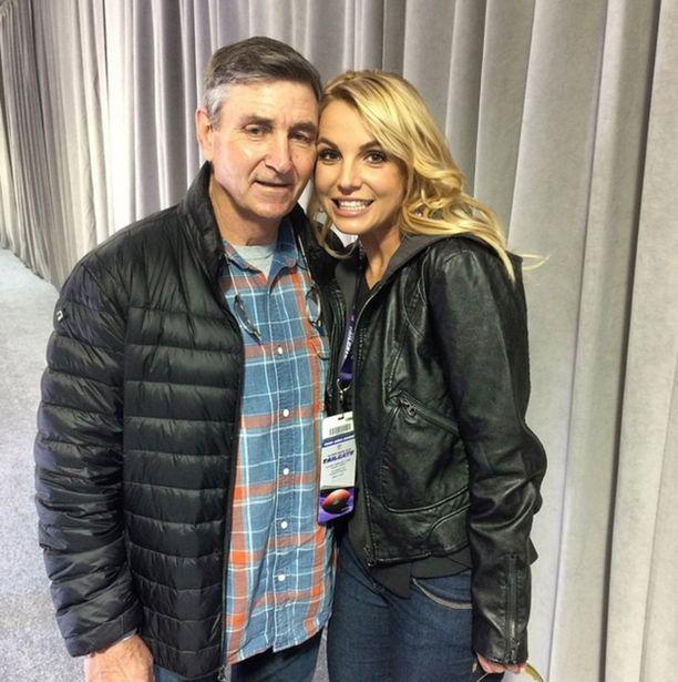 Jamie Spearsin terveydentila on saanut Britney Spearsin huolesta suunniltaan.