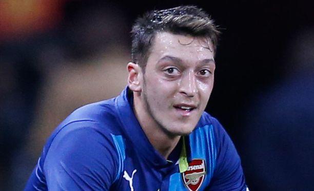 Mesut Özil uskoo, että hän nostelee Ballon d'Or -pyttyä parin vuoden sisään.
