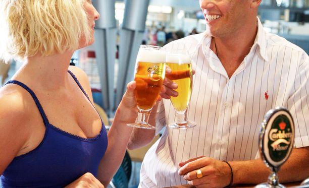 Alkoholijuomien myynti vaihtelee maakunnittain.