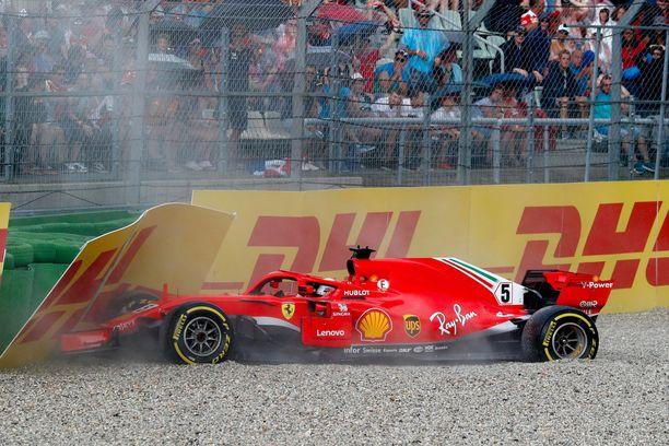 Viime vuonna Sebastian Vettelin unelma oman kotikisan voitosta murskaantui mutkan 12 ulosajoon.