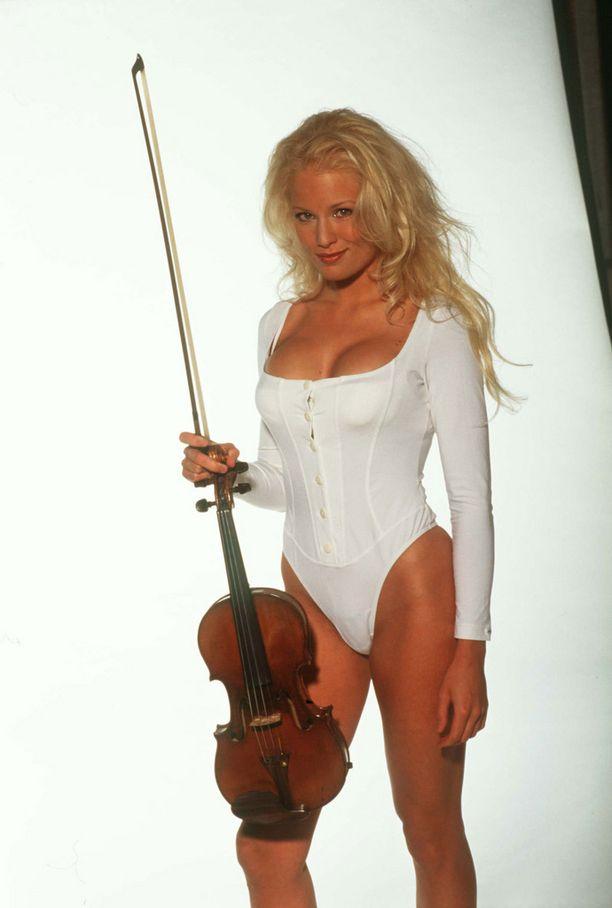 Kuvassa Linda vuonna 1996.