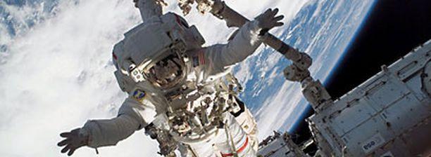 Oletko huippukuntoinen, lujahermoinen, alle 40-vuotias älykkö? Hae astronauttikoulutukseen!