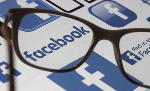 Facebookiin luodaan valetilejä kiihtyvällä tahdilla.