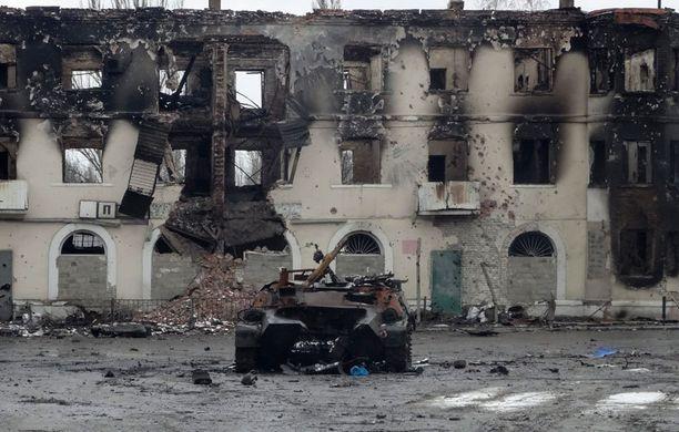 Separatistit ovat käyttäneet Debaltseven kaupungissa raskaita aseita.