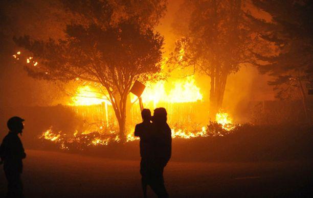 Tulimeri on nielaissut jo yli sata taloa.