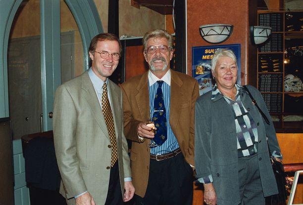 Matti Kyllönen, Harri Häkkinen ja Aila Häkkinen tapasivat useasti Mika Häkkisen aktiivivuosina. Kuva vuodelta 1999.