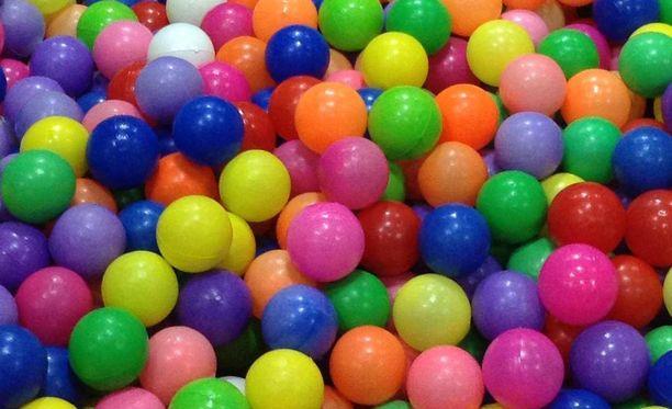 Pallomeri innostaa isompiakin telmijöitä, uskotaan Lontoossa.