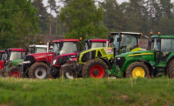 Kuvituskuva. Viisi henkilöä sai maanantaina tuomiot petollisista traktori- ja konekaupoista.