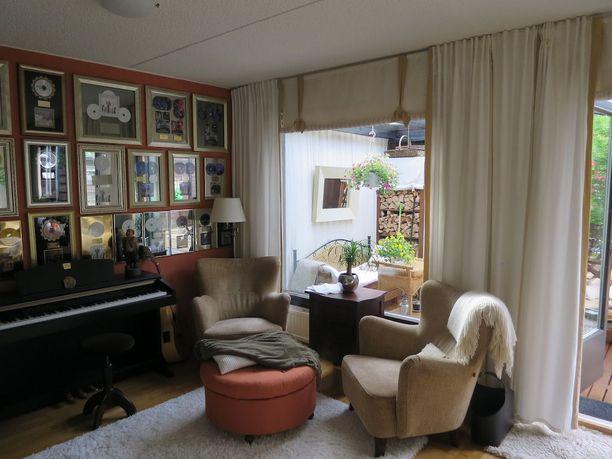 Olli Lindholmin koti sijaitsee Tampereella.