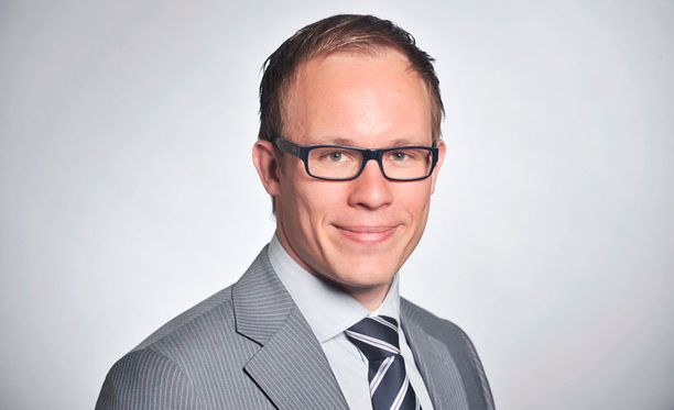 Kansanedustaja ja kunnallispoliitikko Lasse Männistön (kok) mielestä nyky-hitas joutaa roskiin.