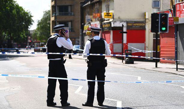 Kaksintaistelu käytiin veitsillä varhain aamulla Itä-Lontoossa Stratfordissa.