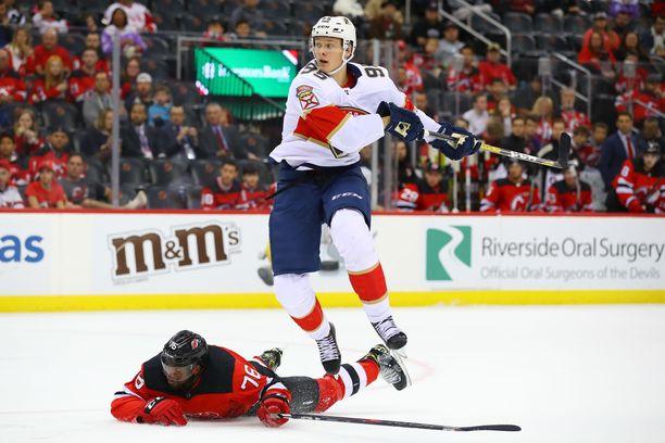 Florida Panthersin riveissä 58 NHL-ottelua pelanneen Henrik Borgströmin liigadebyytti lähestyy. Nähdäänkö se jo tänään?