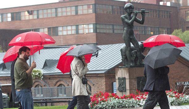 Sateenvarjo on tarpeen keskiviikkona.