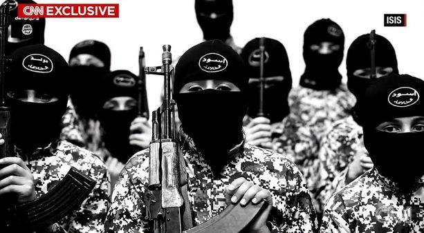 Isisin lapsisoturit aivopestään ajattelemaan omia vanhempia vihollisinaan.