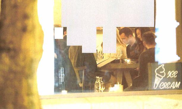 Poliisin esitutkintamateriaalista löytyvä kuva Niko Ranta-ahosta ja hänen silloisesta puolisostaan Sofia Belórfista.