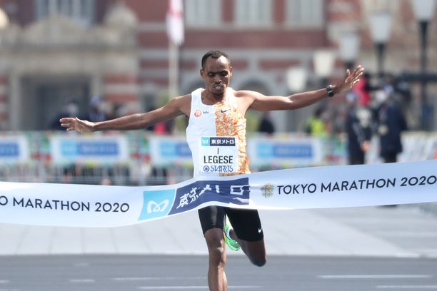 Birhanu Legese juoksi voittoon Tokion maratonilla.