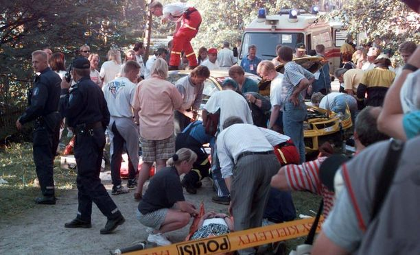Yli 30 katsojaa loukkaantui Jyväskylän MM-rallissa kesällä 1996.