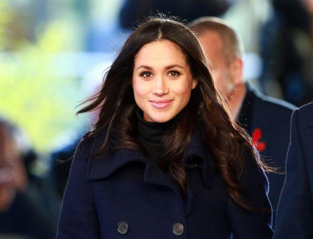 Meghan liikkuu niin kuninkaallisissa palatseissa kuin Lontoon ostoskaduillakin.