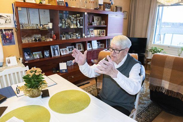 Nykyään Pentti Heinonen asuu omassa asunnossaan palvelutalossa Helsingin Malmilla.