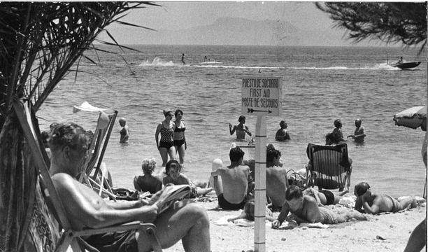 Espanja on suomalaisten matkailijoiden kestosuosikki. Kuva vuodelta 1976.