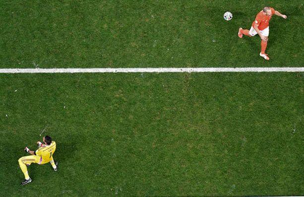 Tästä lähtee Brazuca-pallon tie kohti Argentiinan maaliviivaa.