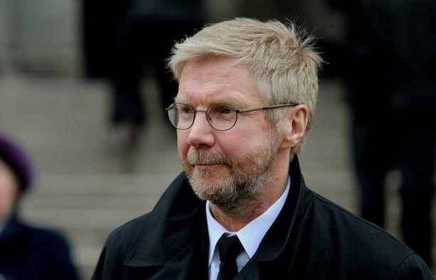 Tali-Ihantala 1944 -elokuvassa näytellyt Pirkka-Pekka Petelius osallistui myös Lindmanin hautajaisiin vuonna 2009.