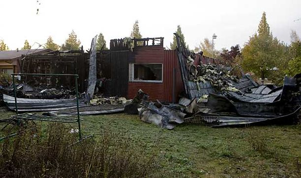 Naantalin asuntopalossa kuoli viisi nuorta ja yhdeksän loukkaantui vakavasti.