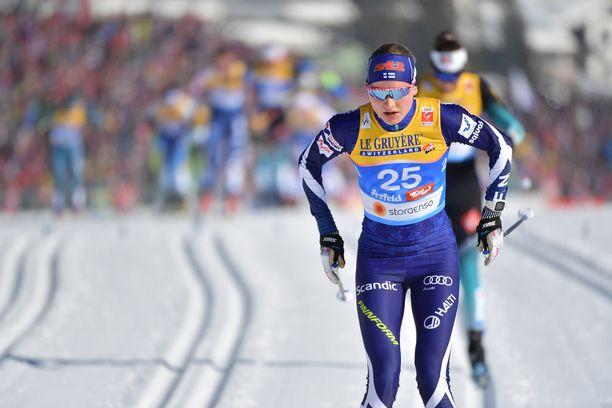 Johanna Matintalo sivakoi sijalla 32 Seefeldin MM-hiihtojen yhdistelmäkilpailussa lauantaina. Hän jäi tapahtuman voittaneelle Therese Johaugille 3.41.