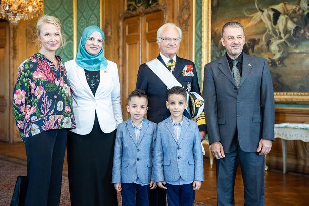 Akramin perhe pääsi kuninkaanlinnaan.