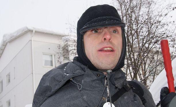 Matti Hokkanen on harmissaan vuokranantajansa tylystä päätöksestä.