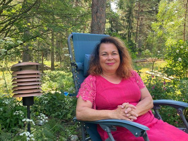 – En ajattele, että Jälkikaiku olisi suinkaan viimeinen Maria Kallio. Ja eiköhän Hilja Ilveskero -sarjakin saa jatkoa, Lehtolainen vihjaa.