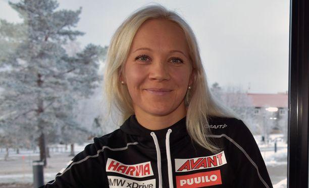 Kaisa Mäkäräinen valmistautuu jo jouluun kotioloissa.