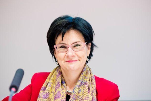 Kansliapäällikkö Anita Lehikoinen sanoo, että eduskunnan tarkastusvaliokunta on saanut tietoa, kun sitä on tarpeeksi yksilöidysti pyydetty.