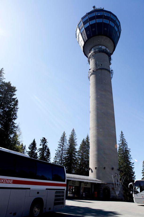Puijon torni sijaitsee Kuopiossa.