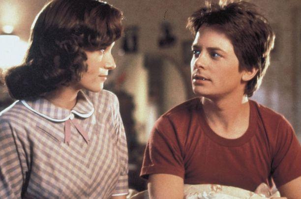 Michael J. Fox esitti lähes kolmekymppisenä teini-ikäistä.