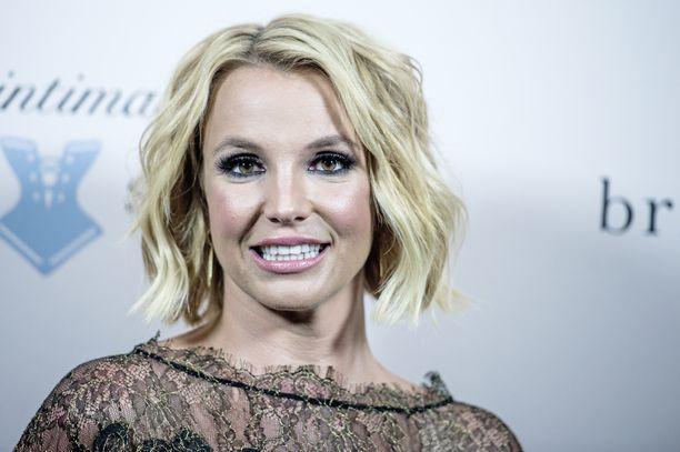 Britney Spears on voinut vuosia hyvin ja keikkaillut ennen huhtikuista romahdusta.