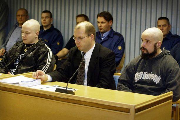 Toni Heikkilä ja Mikko Moilanen surmasivat Pelson vankilassa vartijan pakonsa yhteydessä 2004.