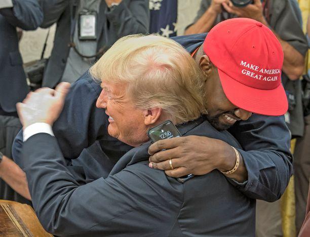 Donald Trump ja Kanye West tapasivat toisensa lokakuun alussa.