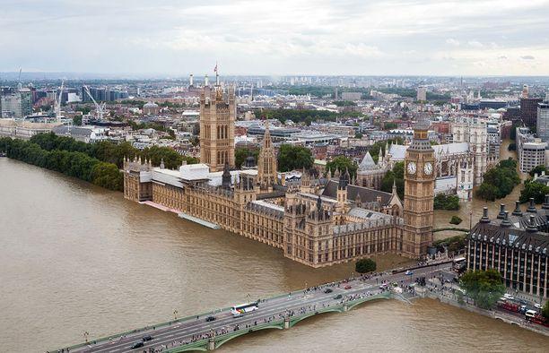 Tältä Lontoo näyttäisi kun lämpötila nousisi kaksi astetta. Vesimassat kulkeutuisivat Big Benin ohitse syvälle kaupunkiin.