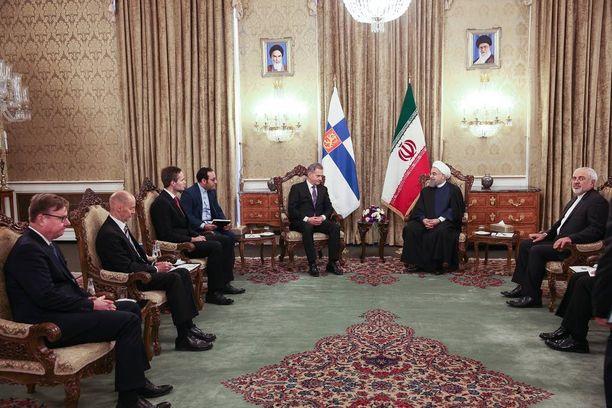Iranin presidentti Hassan Rouhani ja presidentti Sauli Niinistö tapasivat Teheranissa 26. lokakuuta 2016.