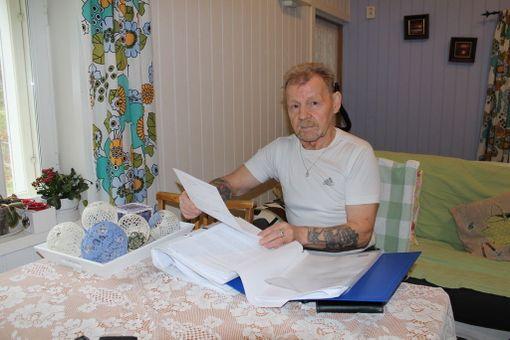 Pauli Heinämäellä on parisataa sivua dokumentteja koulukodeista.